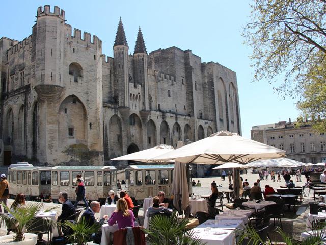 Nos chasseurs à Avignon