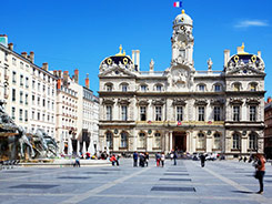 Chasseur immobilier à Lyon recherche appartement proche mairie